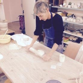 Métier d'art, céramiste Objets , vaisselle et bijoux en porcelaine.