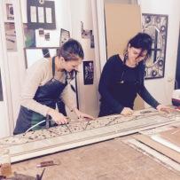 Carole Akdogan, fondatrice de L'AteLiée Métier d'Art, Verrier Fondeur Angéline Clermont, co-fondatrice de L'AteLiée Maître verrier Création et restauration de vitraux / Initiation vitrail